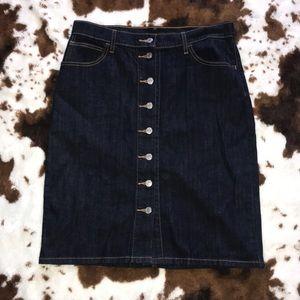 🍁Size 30 button up Levi midi skirt 💕